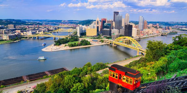 USA Pennsylvania Pittsburgh Skyline